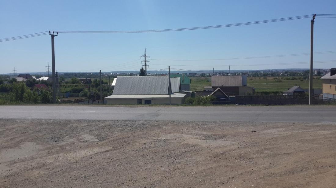 Перекрёсток улицы Буровиков и Девонский
